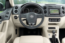 Презентабельный салон Volkswagen Tiguan
