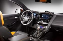Салон Форд Фокус третьего поколения